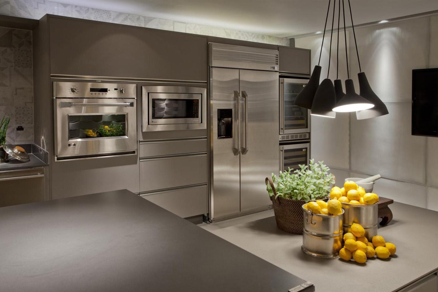 de cozinhas bem iluminadas até mesmo com lâmpadas coloridas e leds #BE880D 1399 934