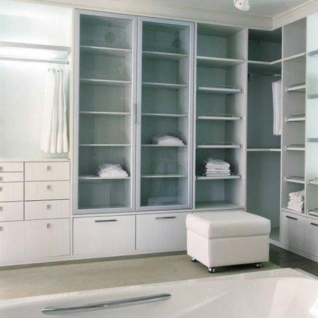 Há diferentes formas de compor um closet, porém, ao criar o projeto, é fundamental oferecer soluções que casem com o estilo de vida e as preferências individuais.