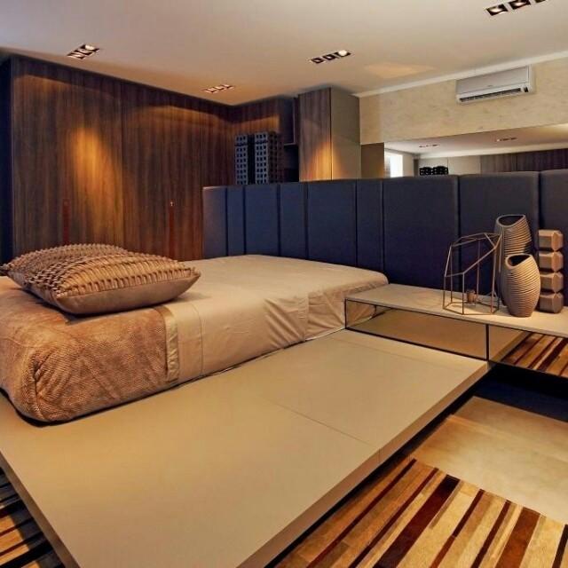 Um quarto confortável também pode também estar afinado às últimas tendências internacionais, exatamente como esse projeto assinado pelo escritório Edgar Casagranda Arquitetura.