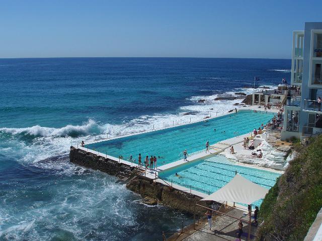 Conhe a as 10 piscinas p blicas mais fant sticas do mundo for Pool showrooms sydney