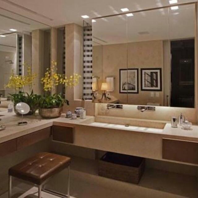 A sala de banho ou o lavabo podem ser funcionais e ao mesmo tempo sofisticados. O cuidado com os detalhes é importante para promover esse espaço e até mesmo criar um SPA dentro de casa.