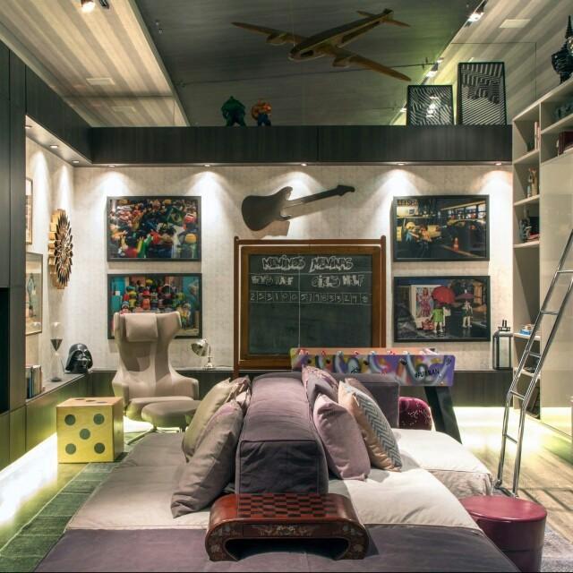 Brincar, jogar e divertir-se como nunca. Essa sala de jogos criada pelas profissionais Andrea Duarte e Anna Malta ficaria perfeita em um condomínio. Que tal?