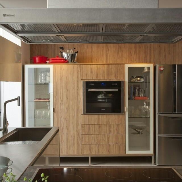 Alta qualidade e estética que surpreende até mesmo os padrões mais exigentes, assim são as cozinhas da grife S.C.A.
