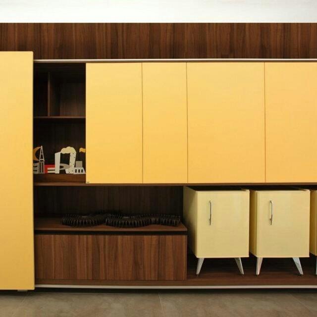 Nós adoramos amarelo! E você, que cor adoraria ter em um ambiente como esse?