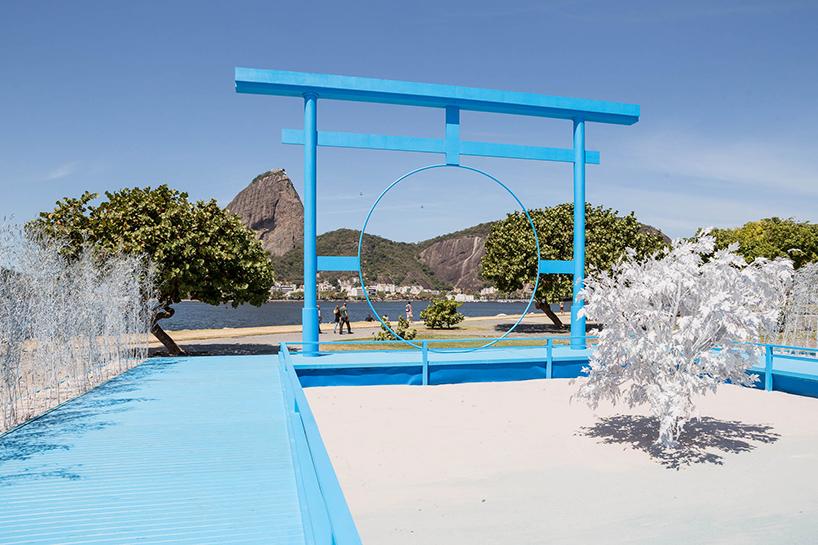 daniel-arsham-blue-garden-rio-de-janeiro-designboom-011
