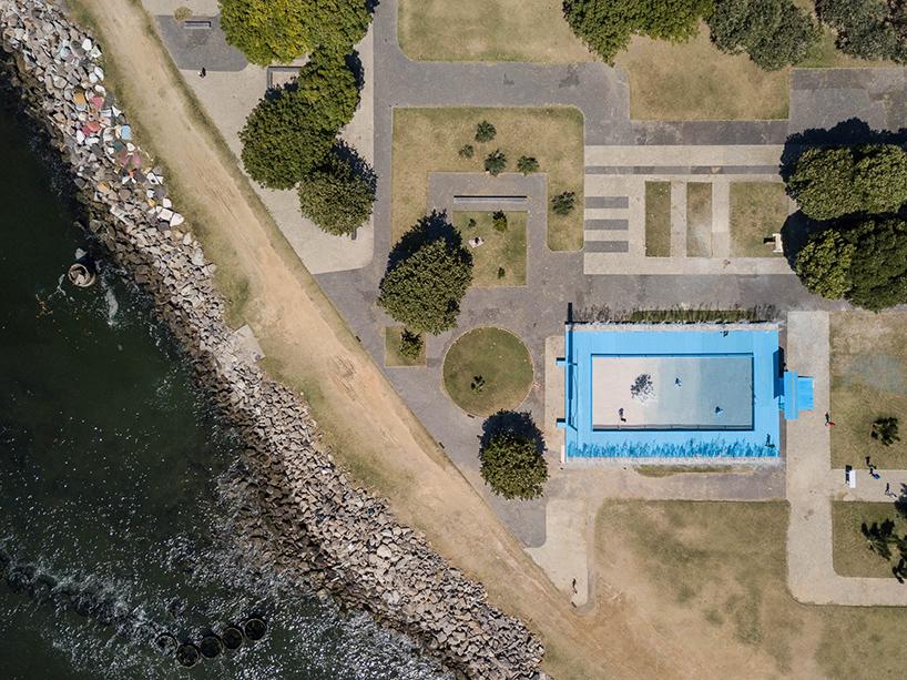 daniel-arsham-blue-garden-rio-de-janeiro-designboom-013