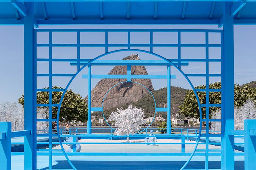 daniel-arsham-blue-garden-rio-de-janeiro-designboom-05