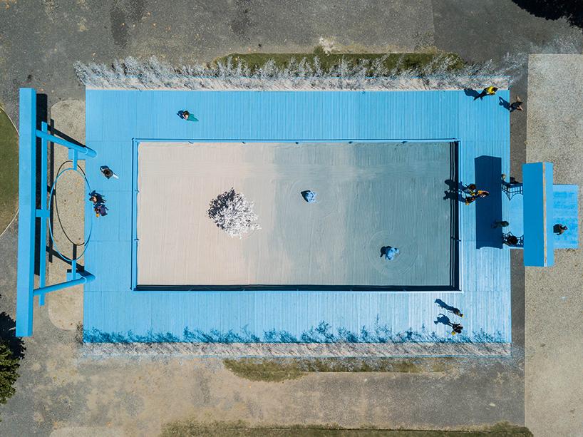 daniel-arsham-blue-garden-rio-de-janeiro-designboom-06